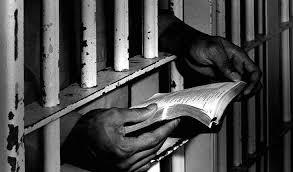 M19-Editoriale_carceri